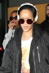 Rihanna DGAF style - LAX in Los Angeles 1/8/2016