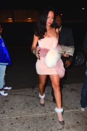 Rihanna Night Out Style - Outside Sono Club in New York City 01/01/2016