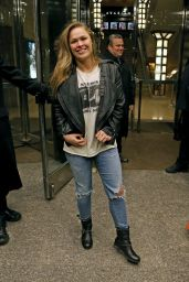 Ronda Rousey - Arriving at Her Hotel After Saturday Night Live Rehearsals in New York, January 2016