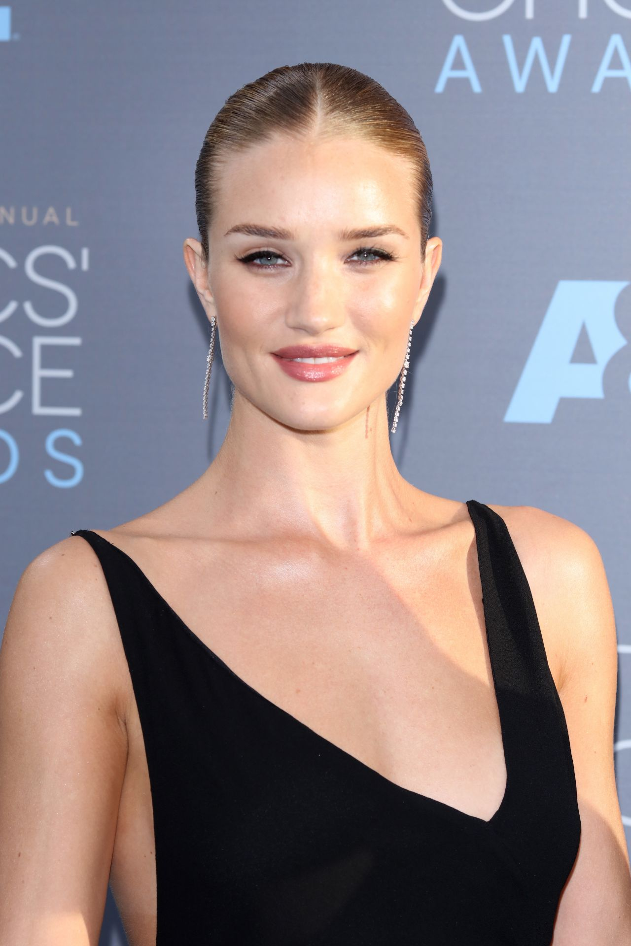 Rosie Huntington-Whiteley – 2016 Critics' Choice Awards in Santa ... Rosie Huntington Whiteley