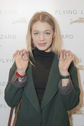 Sadie Calvano at Kari Feinstein