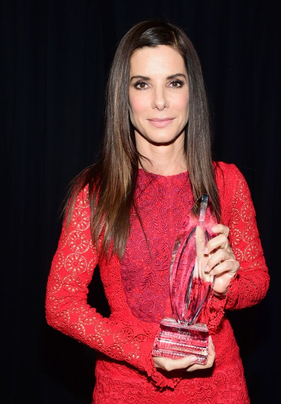 Sandra Bullock – 2016 People's Choice Awards in Microsoft Theater in Los Angeles