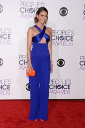 Shelley Hennig – 2016 People's Choice Awards in Microsoft Theater in Los Angeles