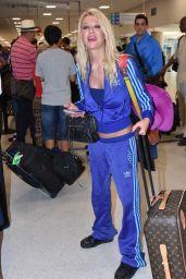Tara Reid at LMM Airport in San Juan, January 2016