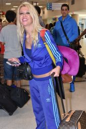 Tara Reid at LMM Airport in San Juan, January 2016