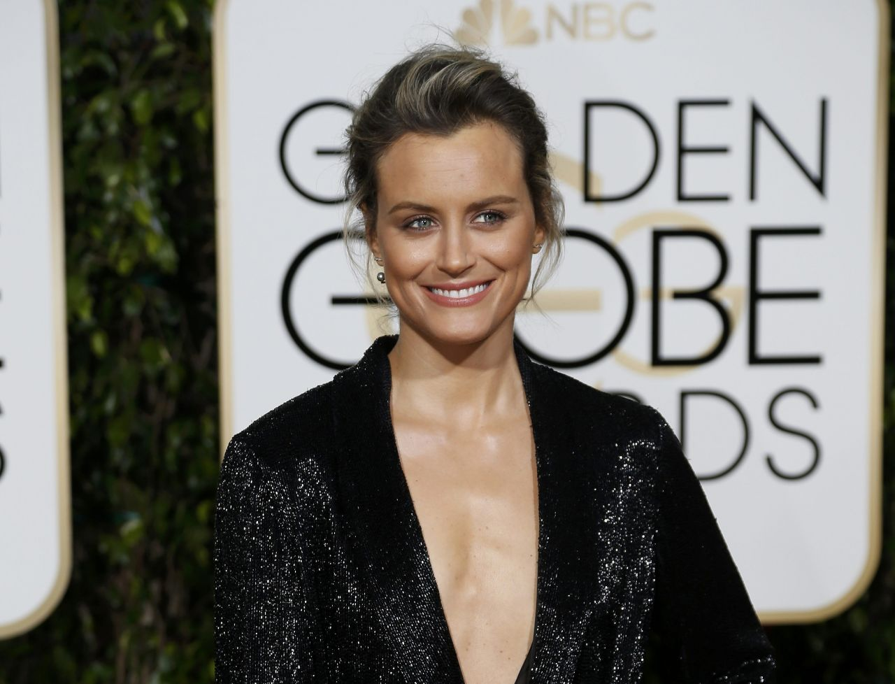 Taylor Schilling – 2016 Golden Globe Awards in Beverly HillsTaylor Schilling Golden Globes 2016