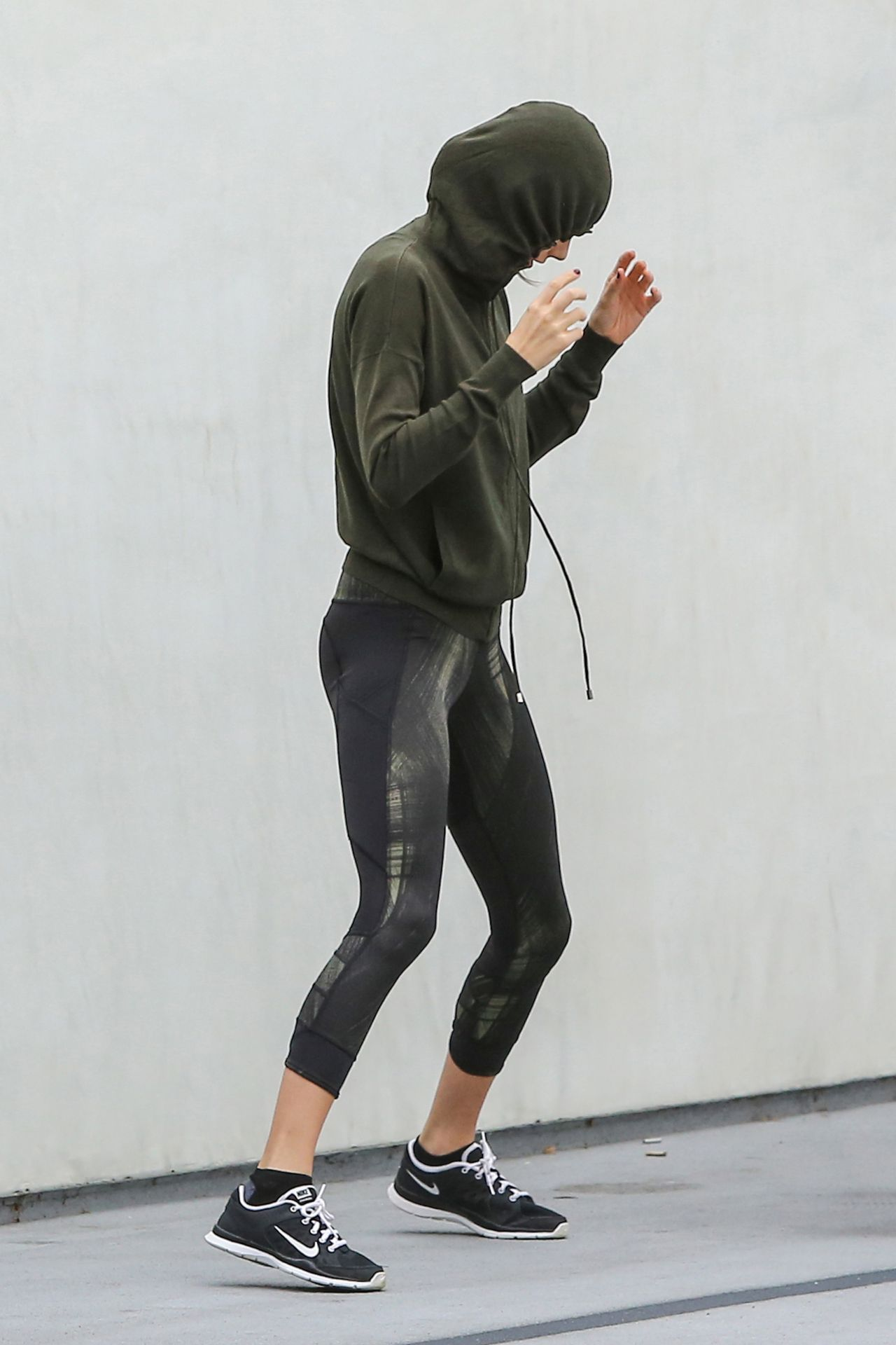 Taylor Swift Dressed For A Workout At A Hym Out In Los Angeles January 2016 Celebmafia