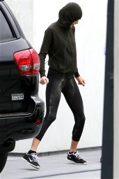 Taylor Swift Dressed for a Workout at a Hym - Out in Los Angeles, January 2016