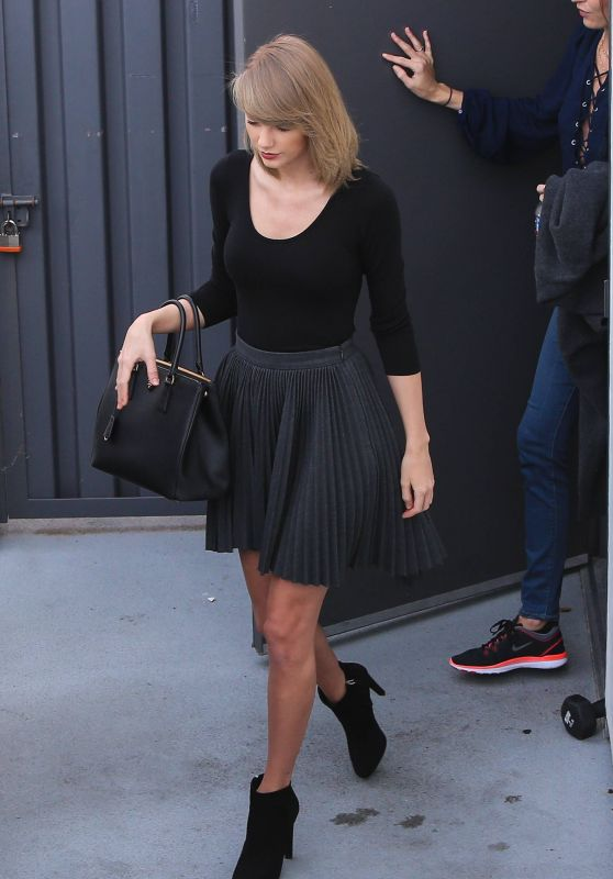 Taylor Swift - Leaving a Gym in Los Angeles 1/17/2016