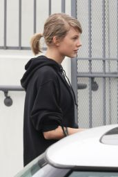 Taylor Swift - Leaving the Gym in Los Angeles 1/18/2016