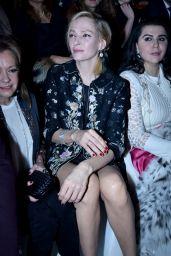 Uma Thurman - Guo Pei Spring Summer 2016 at Paris Fashion Week
