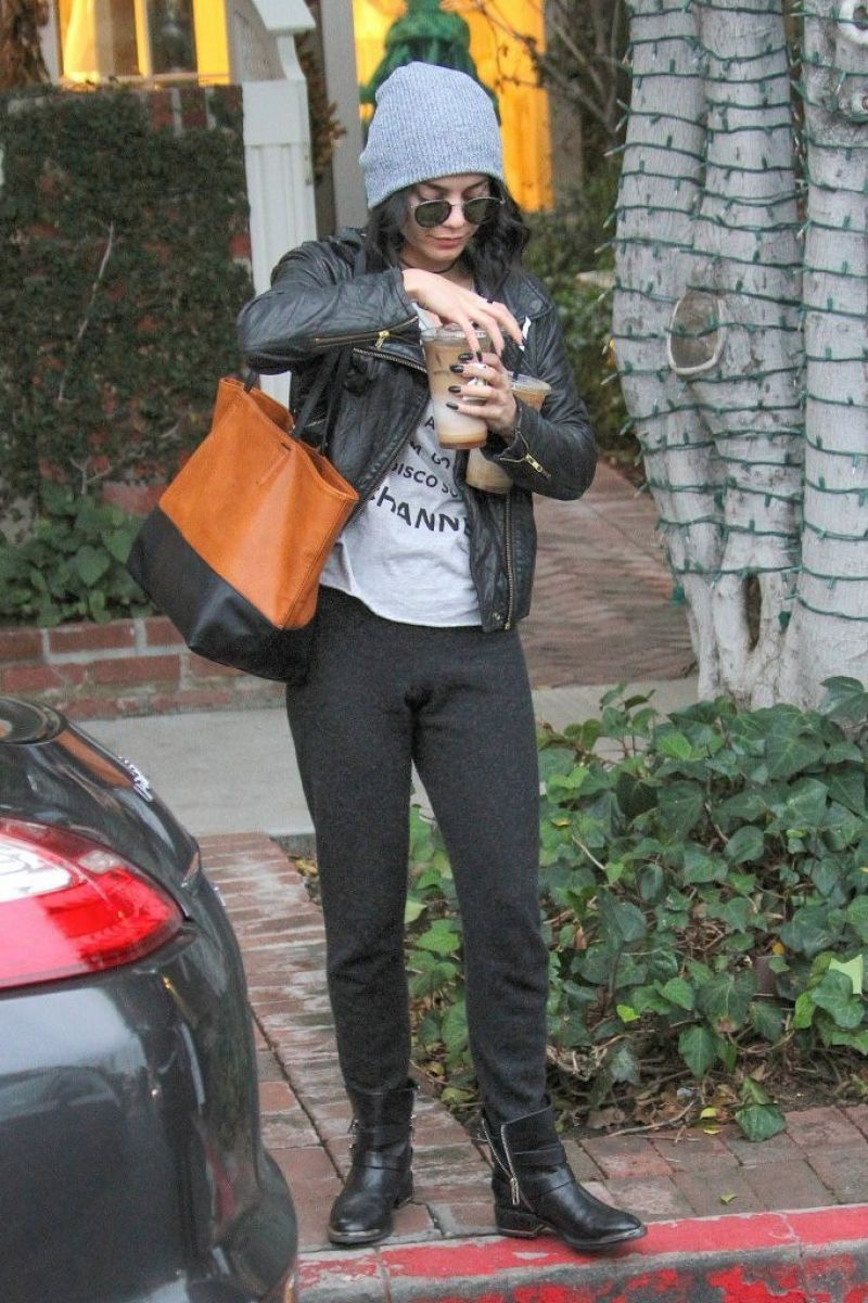 Vanessa Hudgens Casual Style Leaving 39 Alfred 39 On Melrose In West Hollywood 01 09 2016