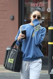 Vanessa Hudgens Street Style - Out in Los Angeles 1/15/2016