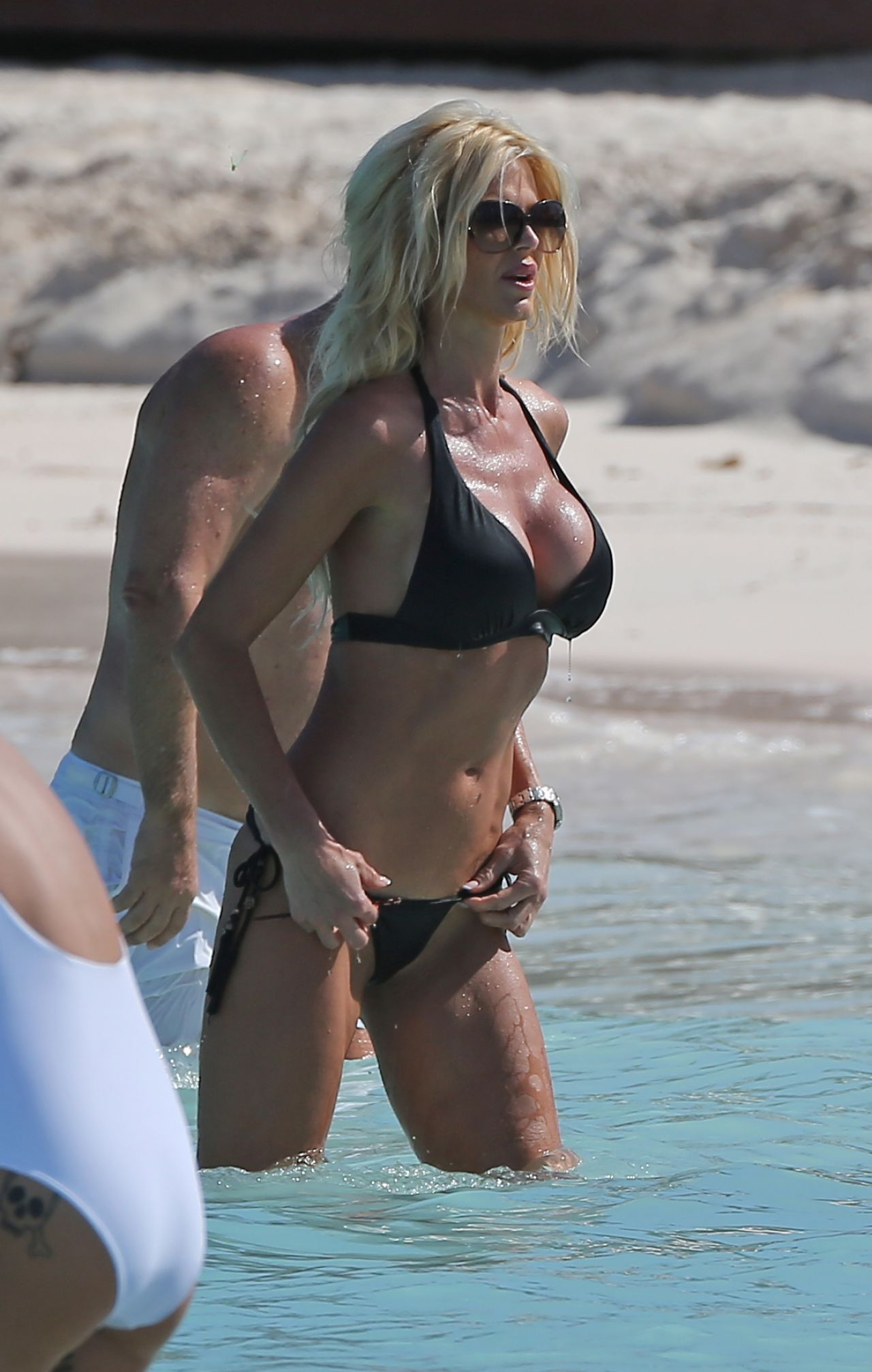 victoria silvstedt naked