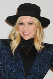 ZZ Ward – LA Art Show and Los Angeles Fine Art Show's 2016 Opening Night Premiere Party