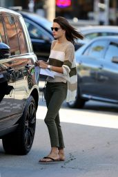 Alessandra Ambrosio Shopping in Los Angeles, February 2016