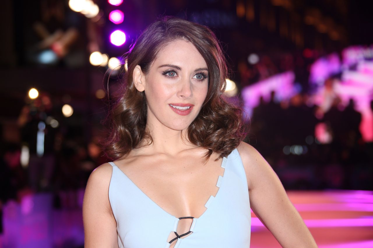 Alison Brie €� 'how To Be Single' Premiere In London