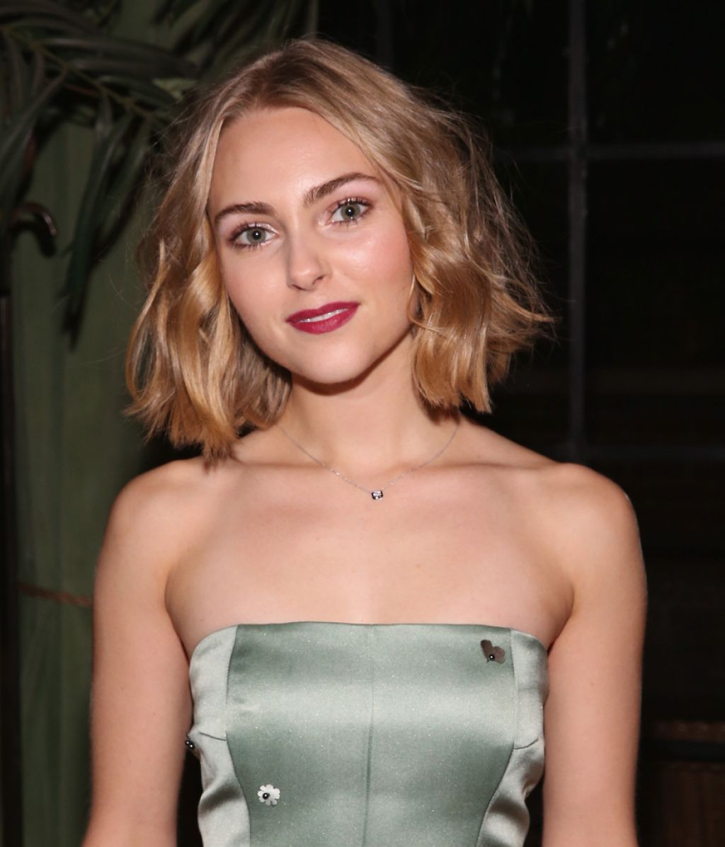 Annasophia Robb Kate Ermilio Fall 2016 Fashion Show In