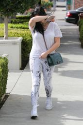 Ariel Winter in Spandex - Out in Los Angeles, CA January 2016