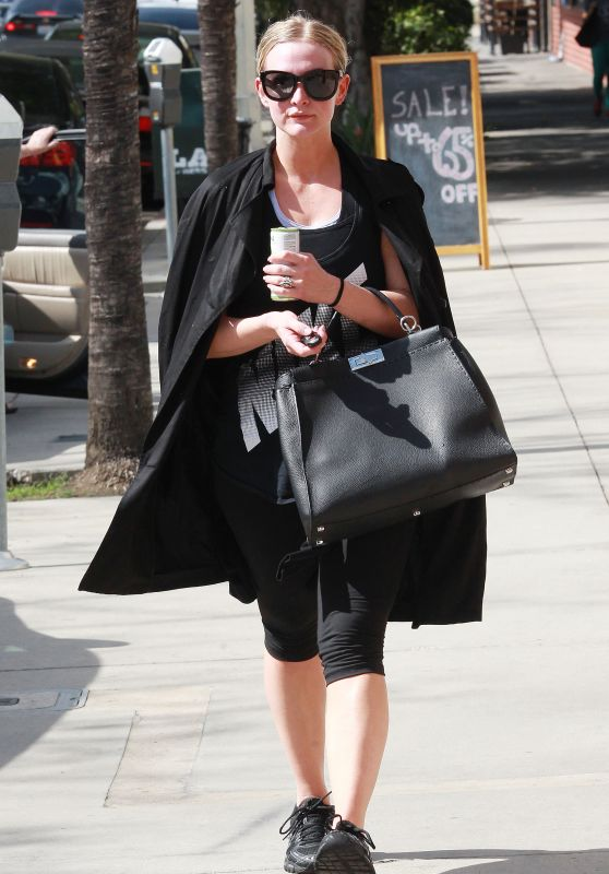 Ashlee Simpson - Leaving the Gym in Los Angeles 2/23/2016
