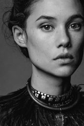 Astrid Berges-Frisbey - L