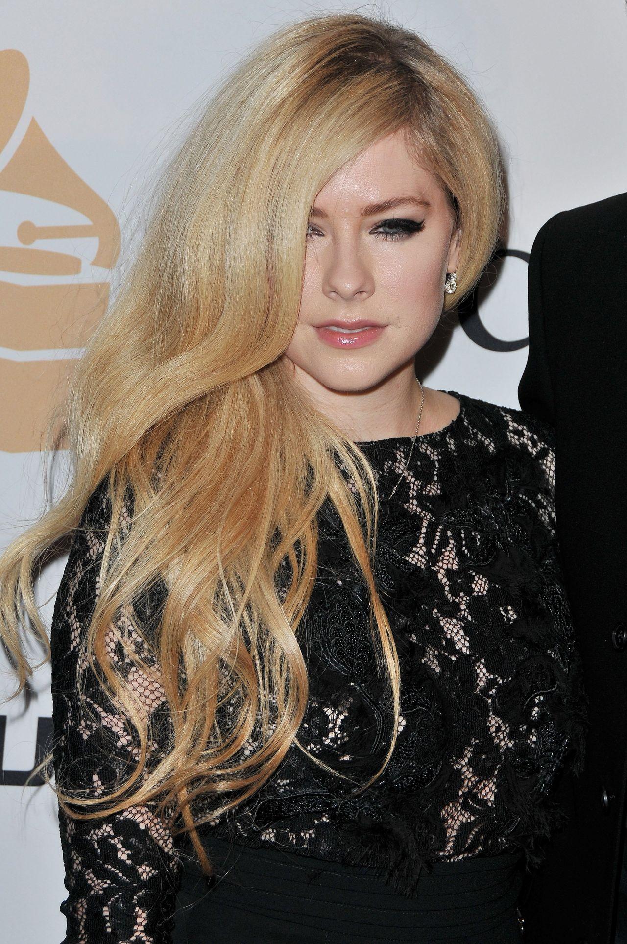 Avril Lavigne – 2016 Pre-GRAMMY Gala in Beverly Hills Avril Lavigne