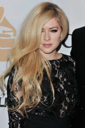 Avril Lavigne – 2016 Pre-GRAMMY Gala in Beverly Hills