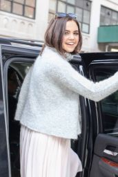 Bailee Madison Style - at Her Hotel in New York City 2/11/2016