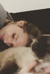 Bella Thorne Instagram Pics, Febraury 2016