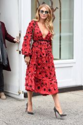 Blake Lively Style - Leaving Her Hotel and Shopping in New York City, NY 2/17/2016