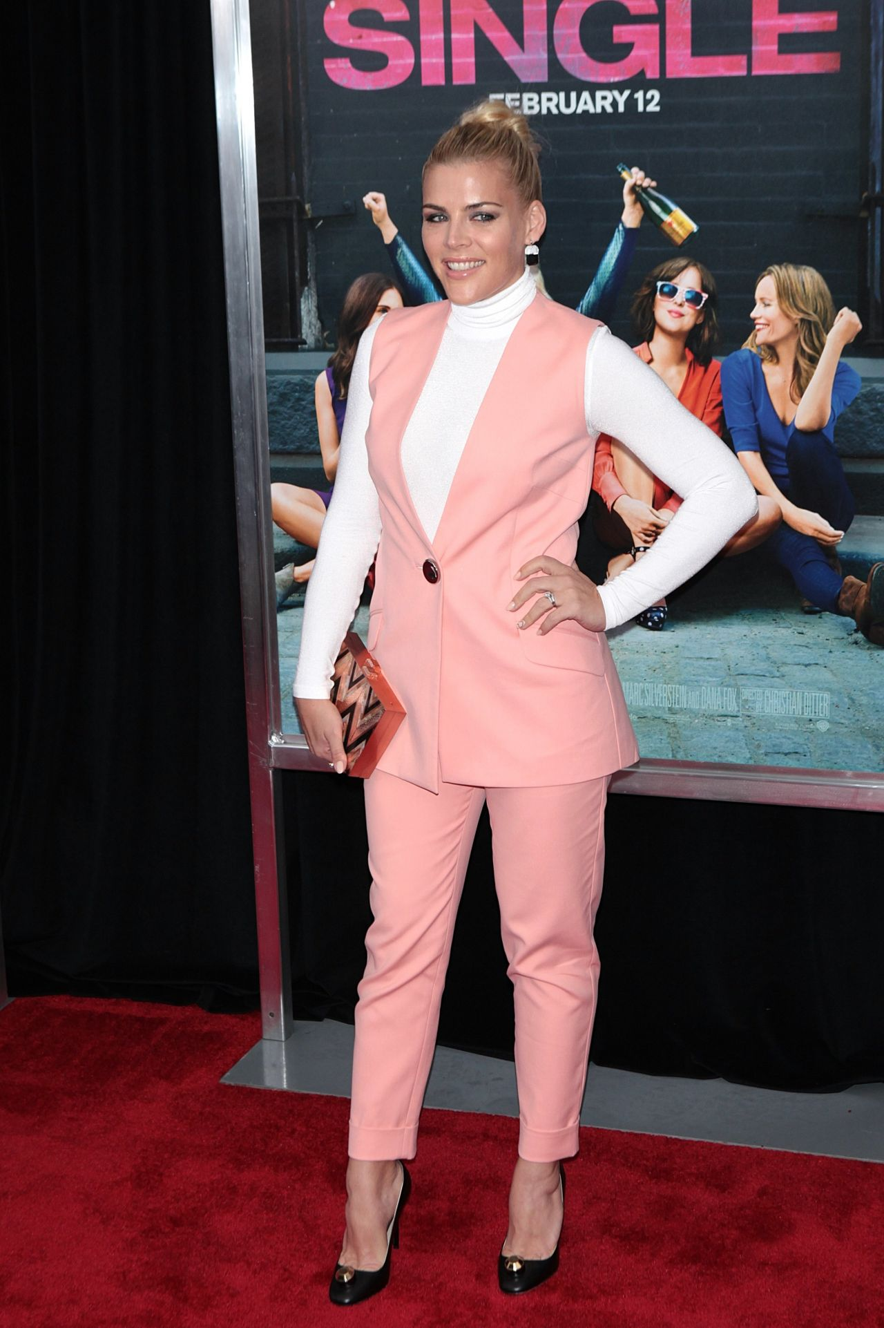 Busy philipps how to be single premiere in new york ccuart Choice Image