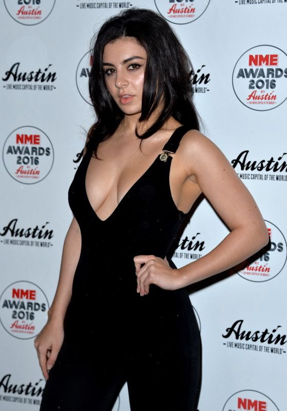 Charli XCX - 2016 NME Awards in London 2/17/2016