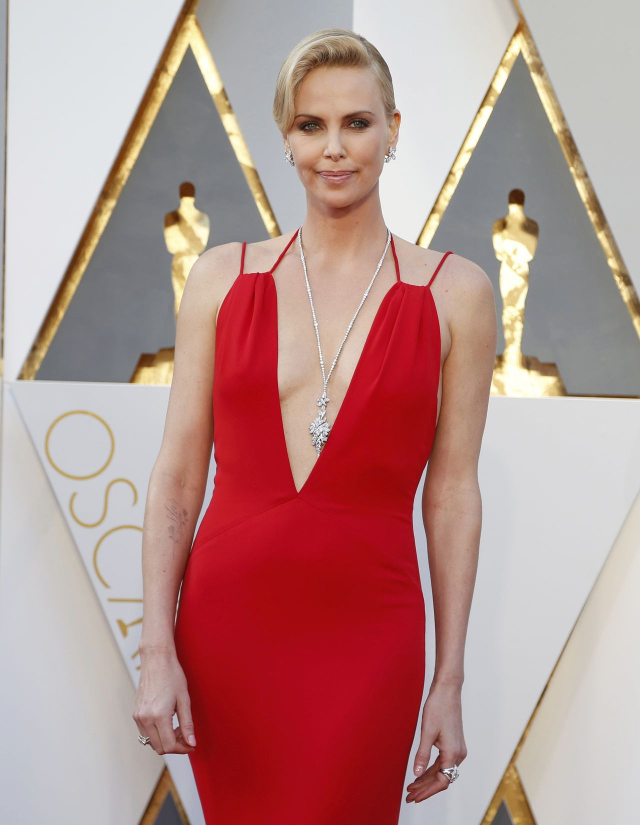 Charlize Theron – Oscars 2016 in Hollywood, CA 2/28/2016 Charlize Theron