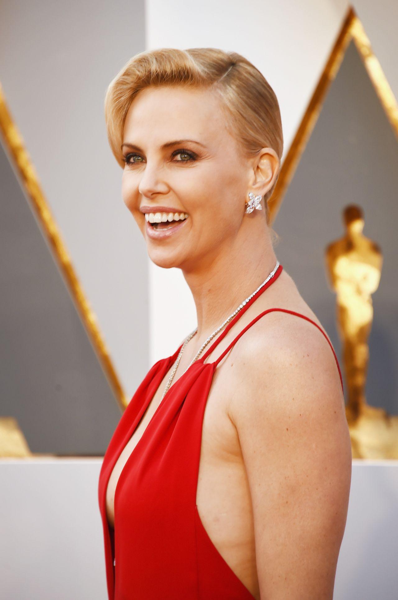 Christie Clark | Celebrities female, Celebrities, Christy