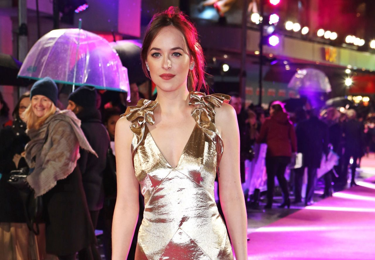 Dakota Johnson 'how To Be Single' Premiere In London ' How To Be Single