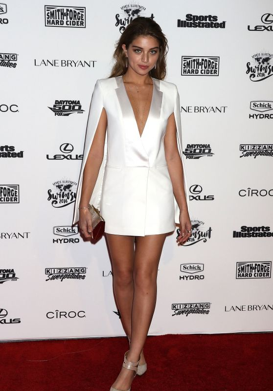 Daniela Lopez - Sports Illustrated Swimsuit 2016 - NYC VIP Press Event