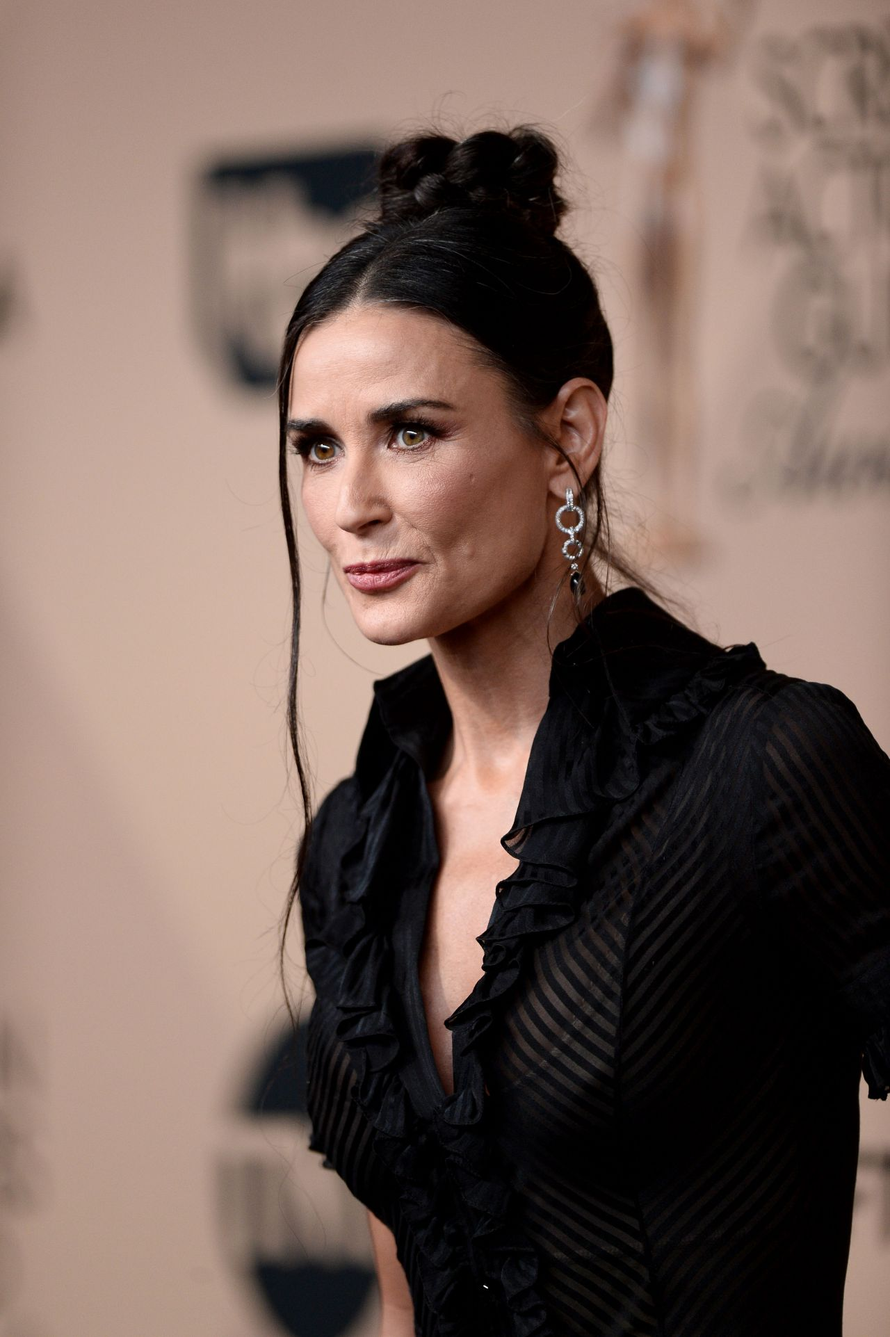 Demi Moore Sag Awards 2016 At Shrine Auditorium In Los Angeles