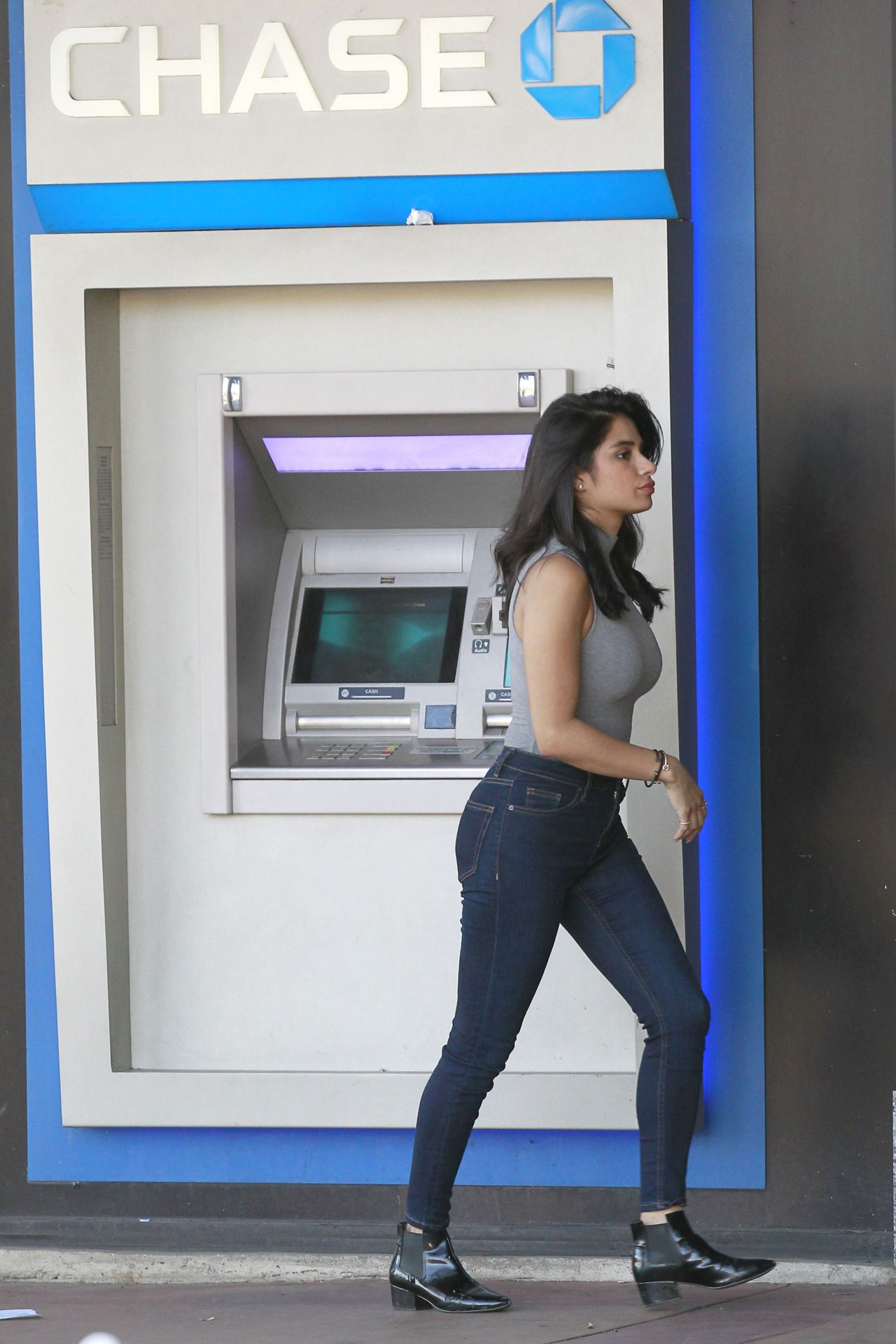 Diane Guerrero Using A Chase Atm In West Hollywood