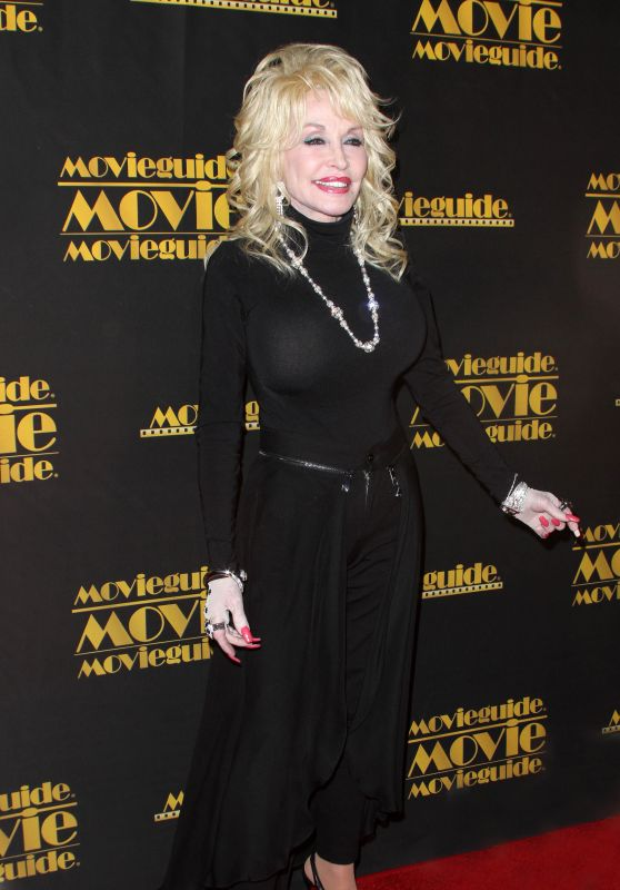 Dolly Parton – Movieguide Awards Gala 2016 in Universal City