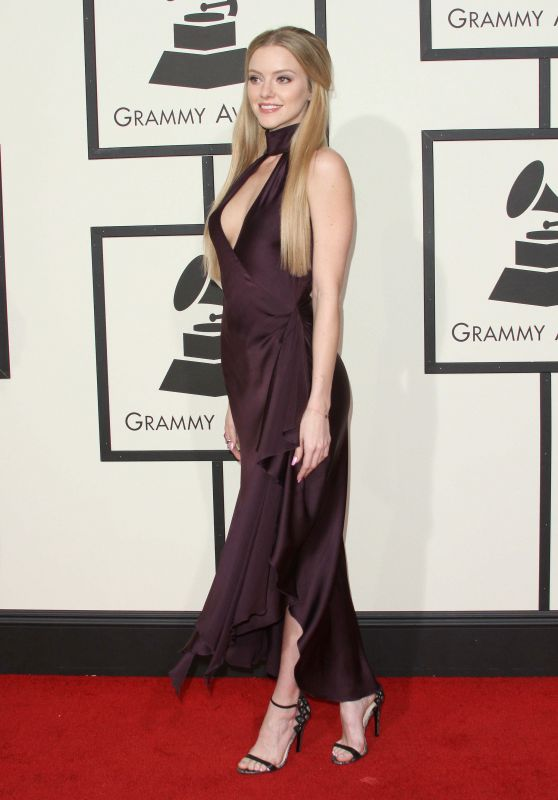 Elle Evans – 2016 Grammy Awards in Los Angeles, CA