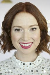 Ellie Kemper – Kate Spade Fashion Show in New York City 2/12/2016