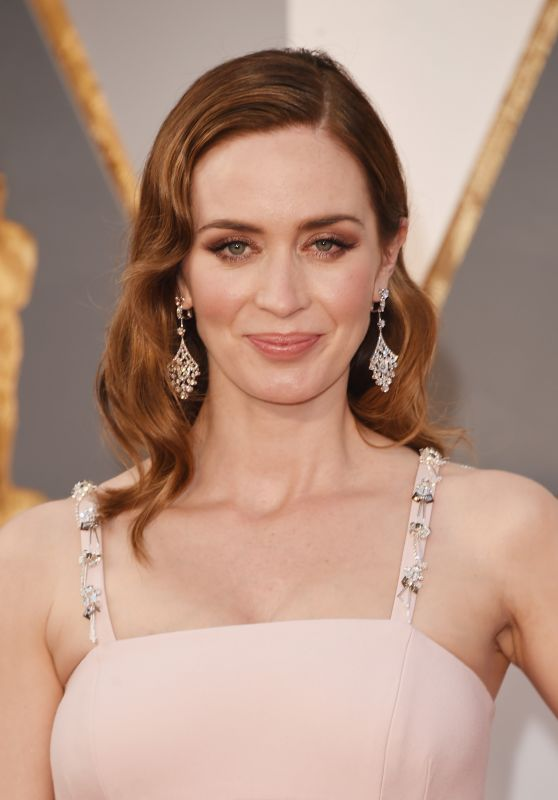 Emily Blunt – Oscars 2016 in Hollywood, CA 2/28/2016