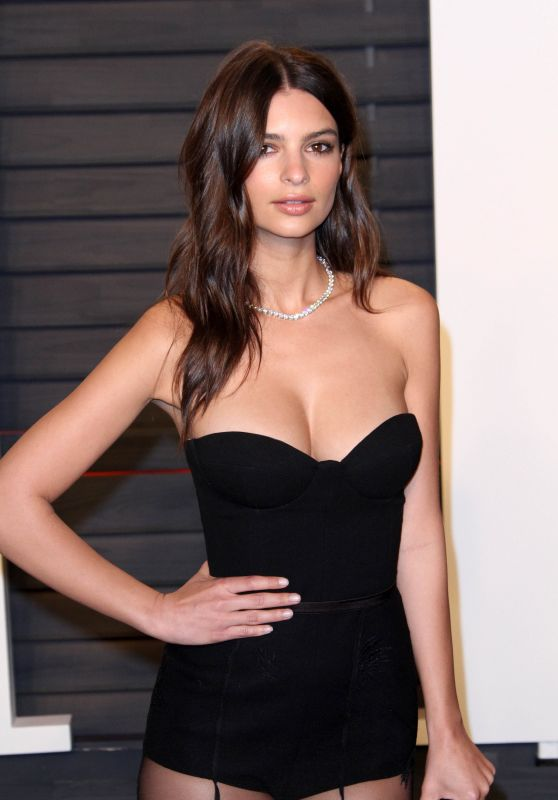 Emily Ratajkowski – Vanity Fair Oscar 2016 Party in Beverly Hills, CA