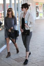 Emma Stone in Leggings - at