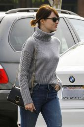 Emma Stone in Tight Jeans - Out in Malibu, 2/14/2016