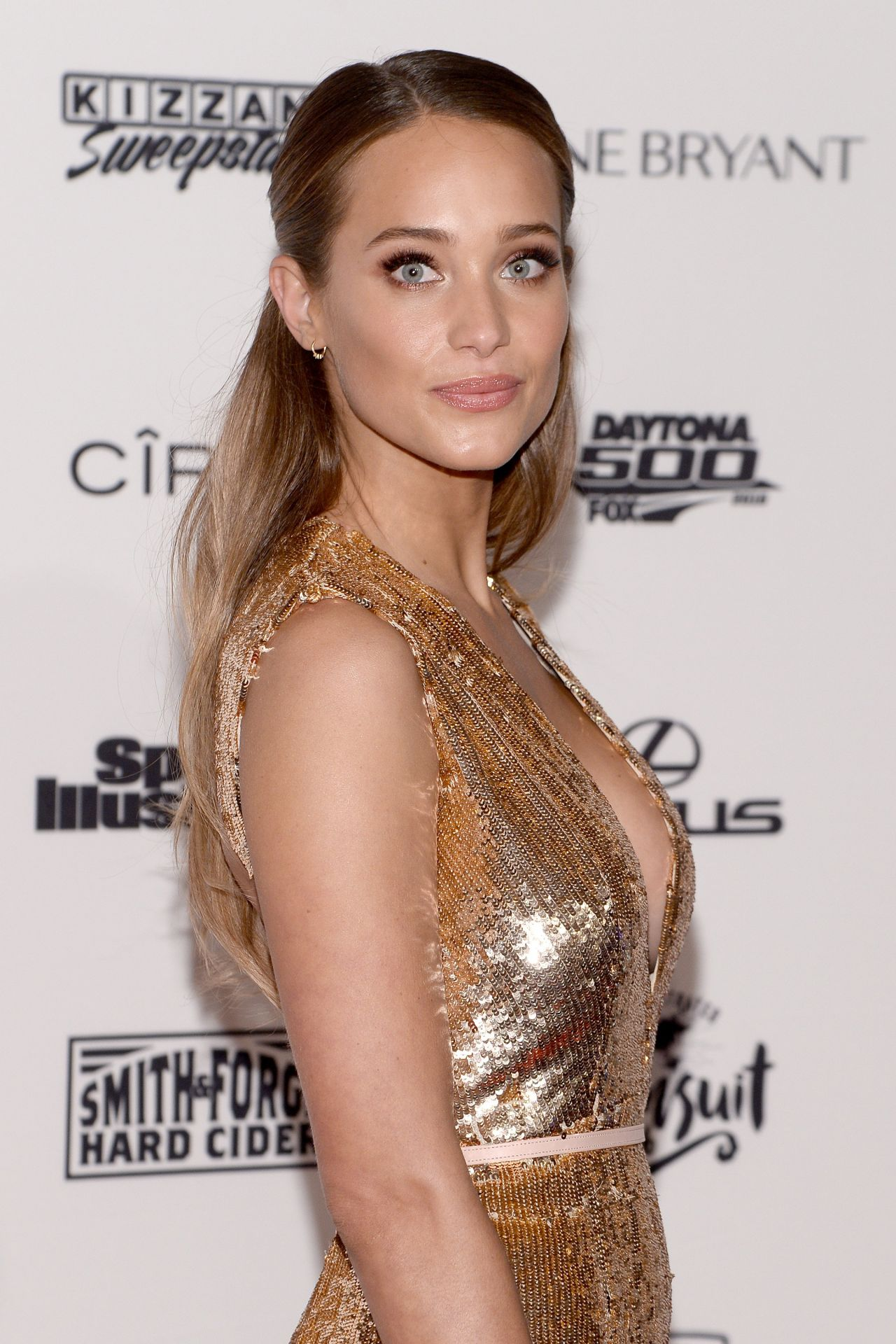 hannah davis sports illustrated swimsuit 2016 press event in new
