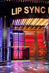 Hayden Panettiere & Christina Aguilera Perform
