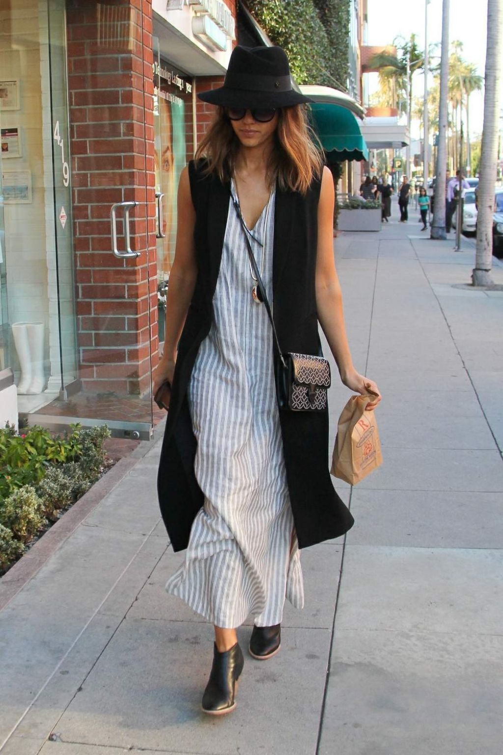 Jessica Alba Street Style Out In Beverly Hills