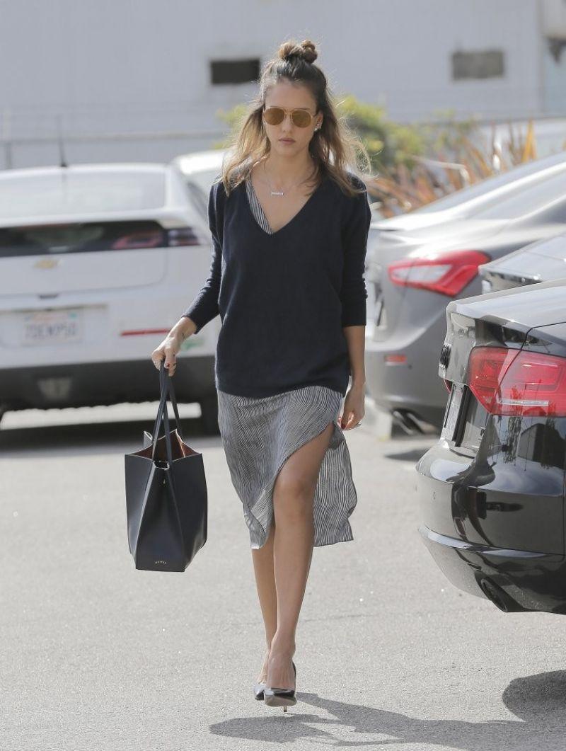 Jessica Alba Style Leaving Her Office In Santa Monica 2