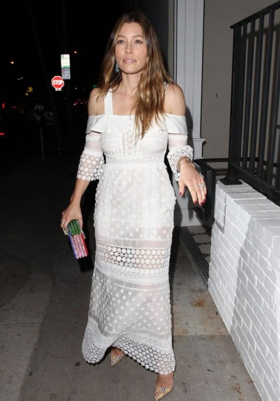 Jessica Biel at Au Fudje Restaurant in West Hollywood 2/16/2016